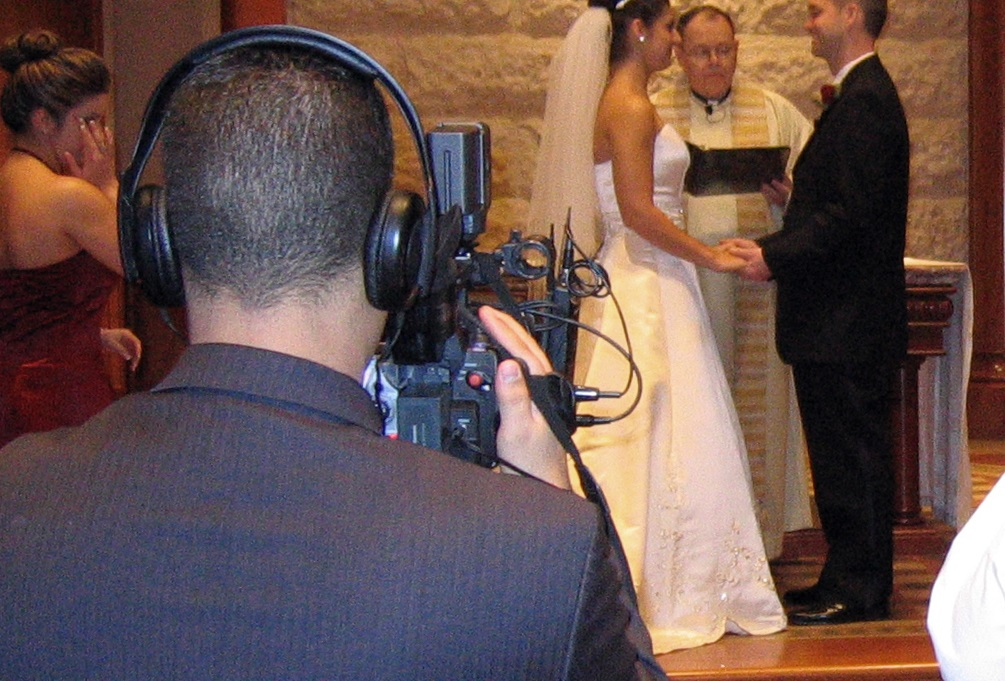 Assessing The Features Of Video Production Of Summer Wedding Planning